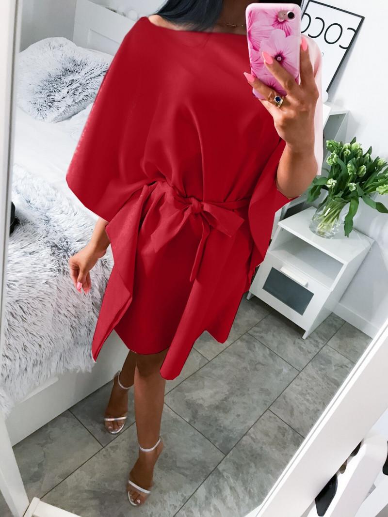 Kobieca sukienka nietoperz AMATIS-malina