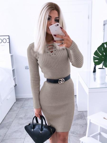 Dopasowana sweterkowa sukienka JESSICA - latte
