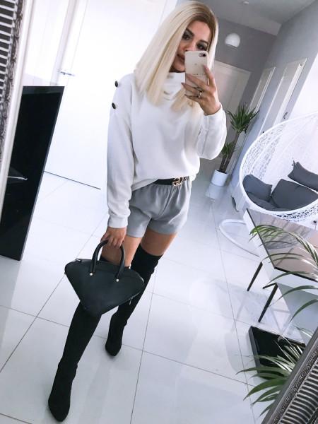 Ciepły sweter z golfem SOPHIA - biel